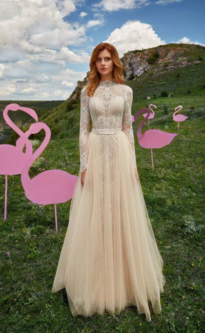 Кружевное свадебное платье цвета шампань