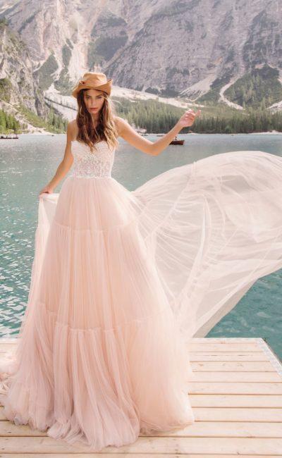 свадебное платье с белым корсетом