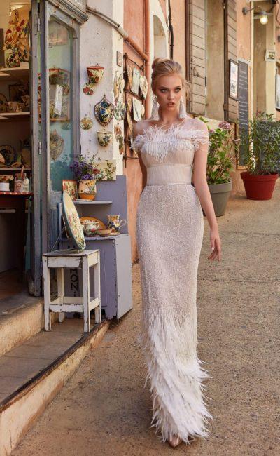 Cвадебное платье с утонченным прямым силуэтом