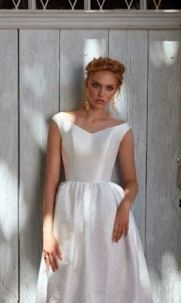 Свадебное платье со сдержанным кроем