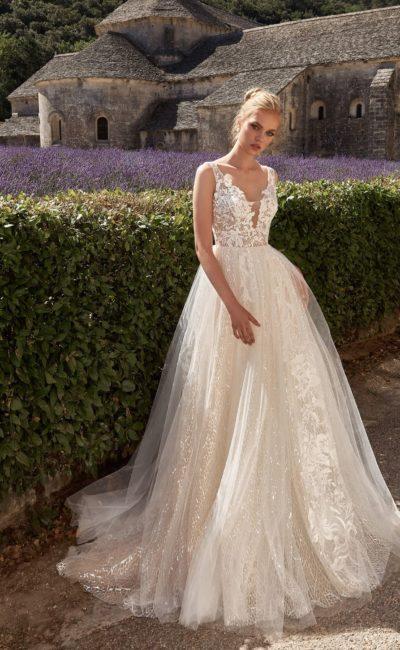 платье с восхитительным корсетом