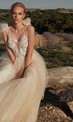 Нежно-бежевое свадебное платье