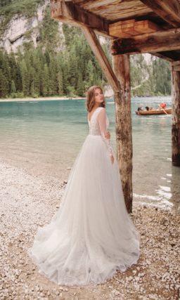 свадебное платье с прелестным корсетом с фальш-декольте