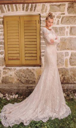 Стильное свадебное платье с кружевом