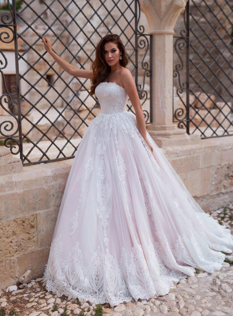 свадебное платье бледно-розового оттенка