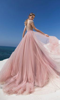 Цветное свадебное платье с шикарной отделкой