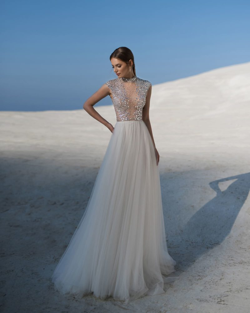 Необыкновенное свадебное платье