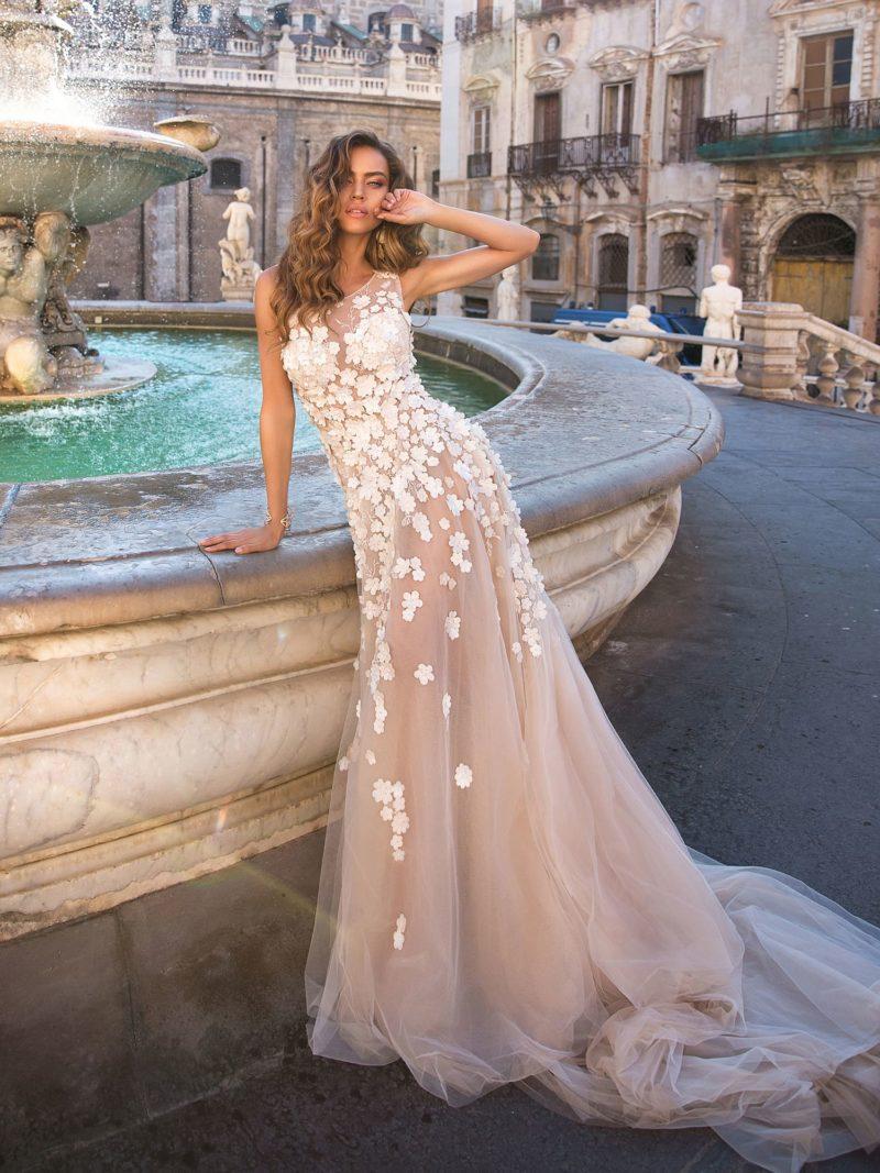 Восхитительное свадебное платье в пудровом оттенке