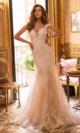 Свадебное платье теплого персикового оттенка