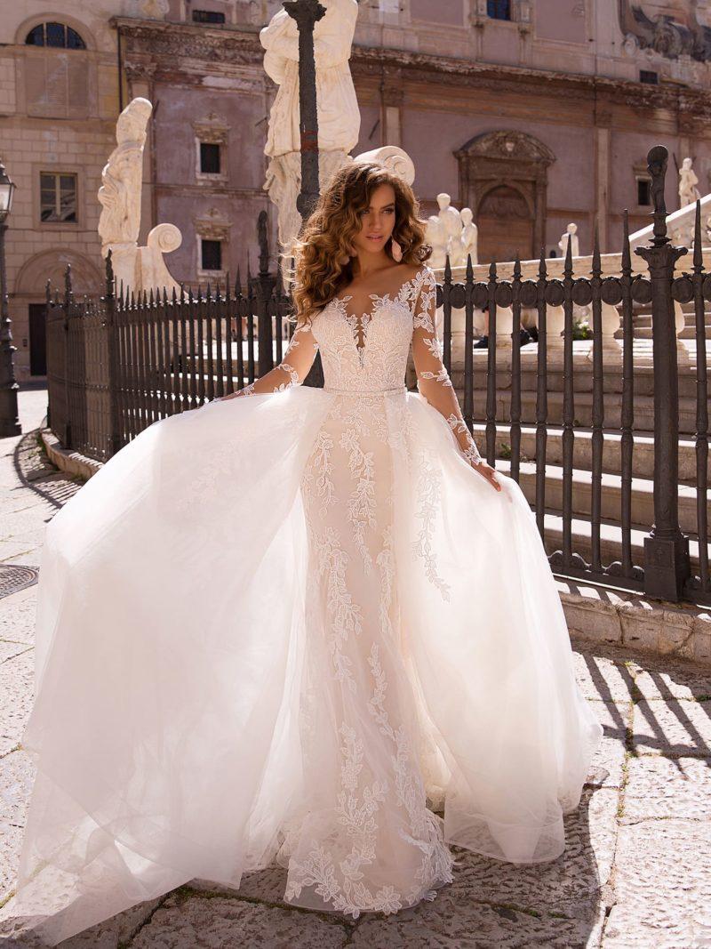 Роскошное свадебное платье-трансформер со шлейфом