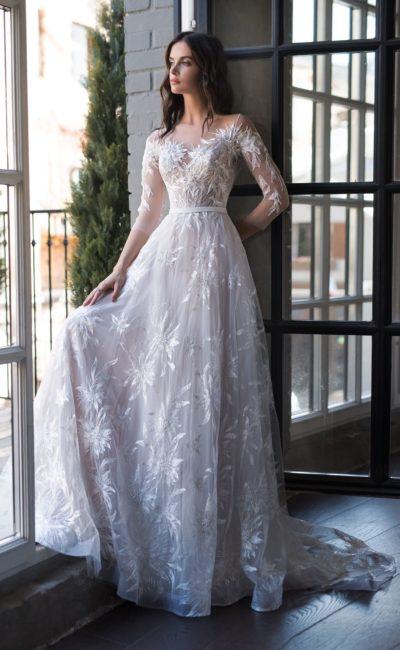 Кружевное стильное платье
