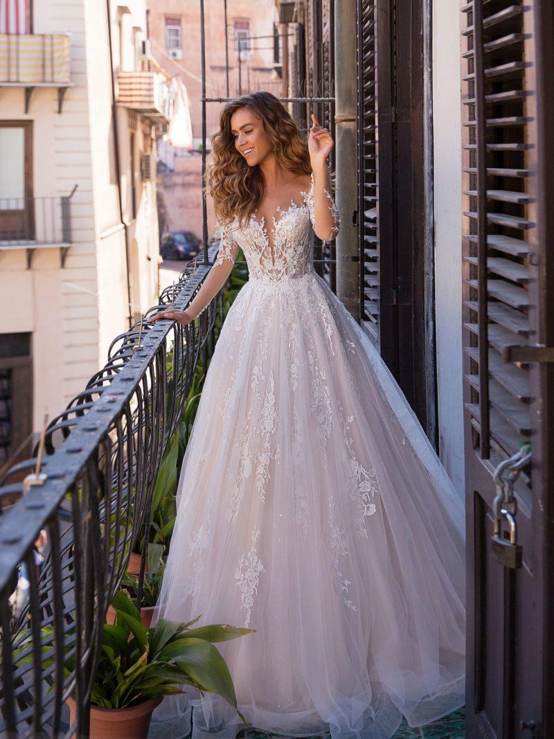 Свадебное платье нежного сиреневого оттенка