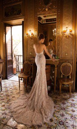 Блестящее свадебное платье