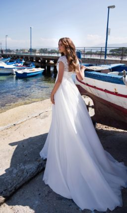 Нежное свадебное платье в стиле ампир