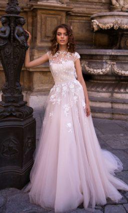 Свадебное платье нежно-лилового оттенка