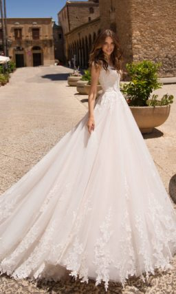 Уникальное свадебное платье