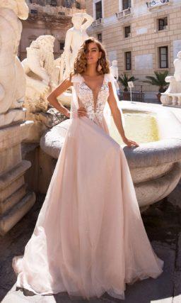 Свадебное платье с узким поясом