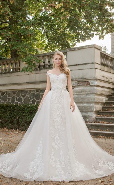 Эффектное свадебное платье-трансформер