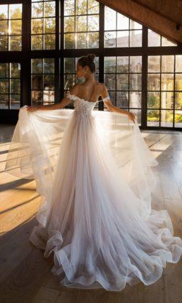 Бесподобное свадебное платье