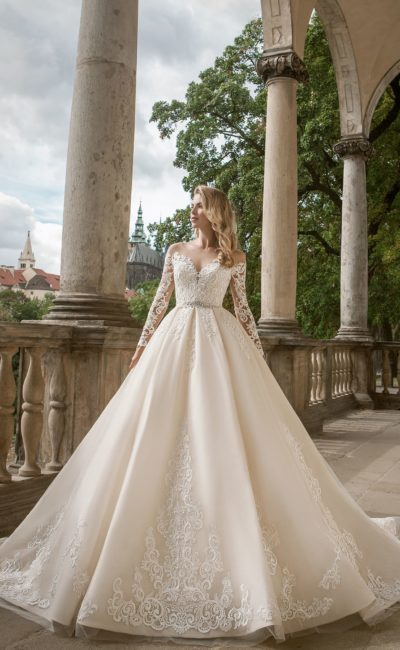 Шелковое свадебное платье айвори