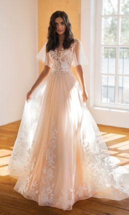 Романтическое свадебное платье с рукавами