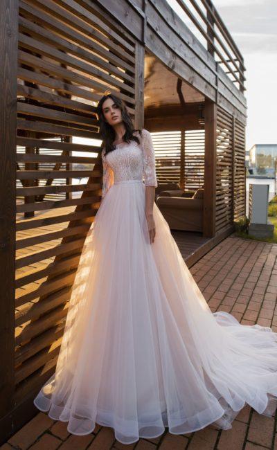 Свадебное платье с рукавом до локтя
