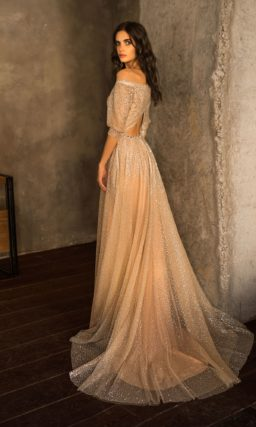 Красивое свадебное платье с блестками