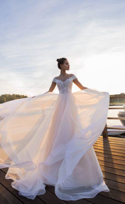 Королевское свадебное платье с восхитительным корсетом