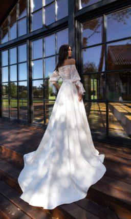 Эксклюзивное свадебное платье со свободным верхом
