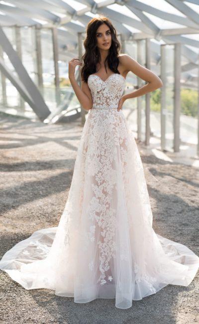 Свадебное кружевное стильное платье