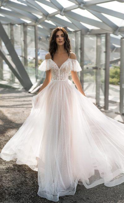 Волшебное свадебное платье с прелестным корсетом