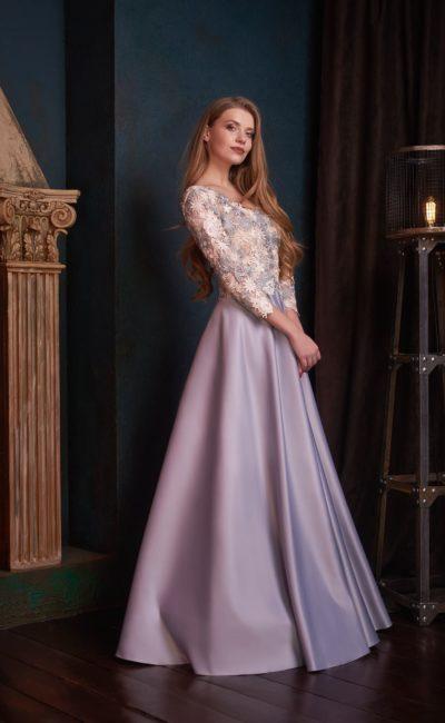 Лиловое платье с рукавами