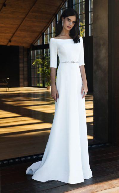 Прямое платье с рукавами