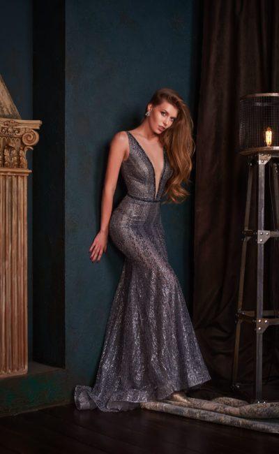 Серо-серебристое вечернее платье в пол