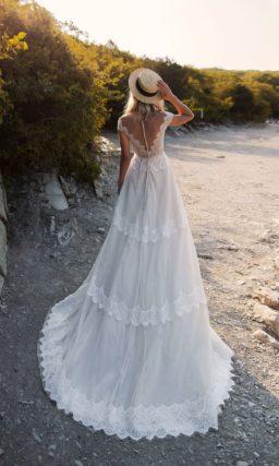 Свадебное платье бохо с гипюровым корсетом