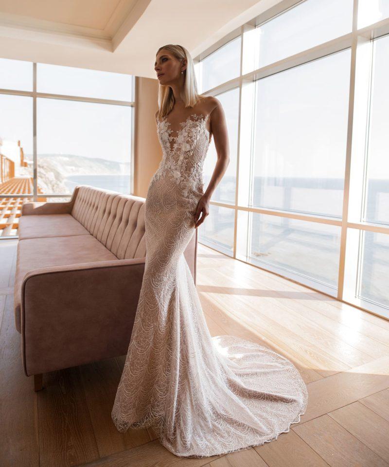 Свадебное платье оттенка пудра