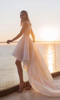 Свадебное платье теплого розового оттенка