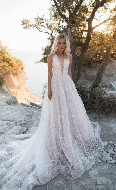 Свадебное платье серебристого оттенка