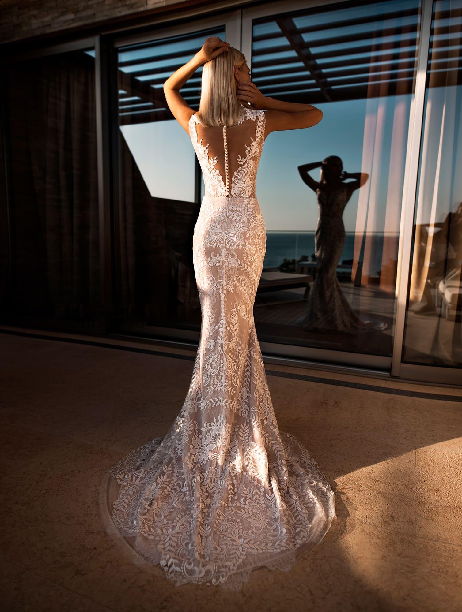 Свадебное платье-трансформер оттенка персика