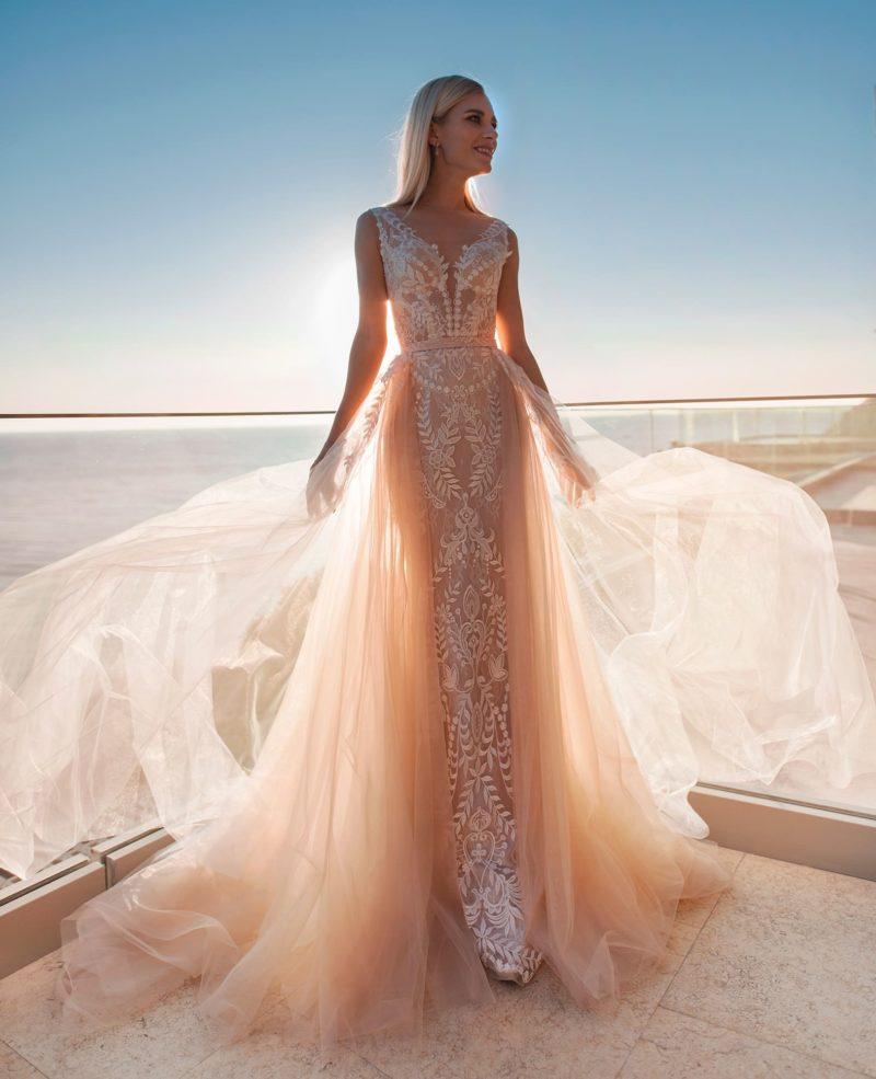 Интересное свадебное платье-трансформер