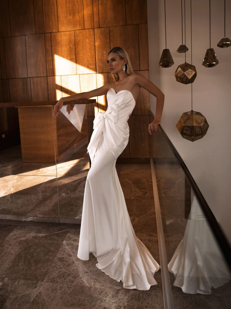 Белое свадебное платье
