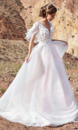 платье А-силуэта в нежном пудровом оттенке