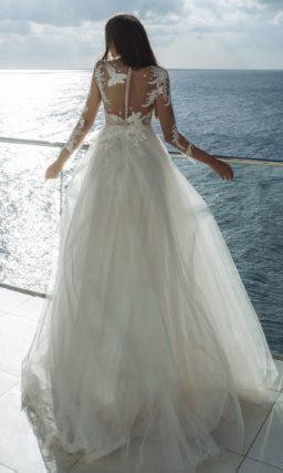 платье оттенка айвори с роскошным сказочным декором
