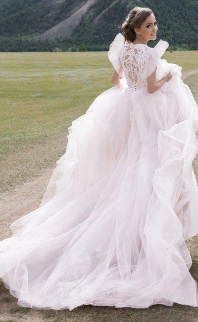 Романтичное розовое свадебное платье