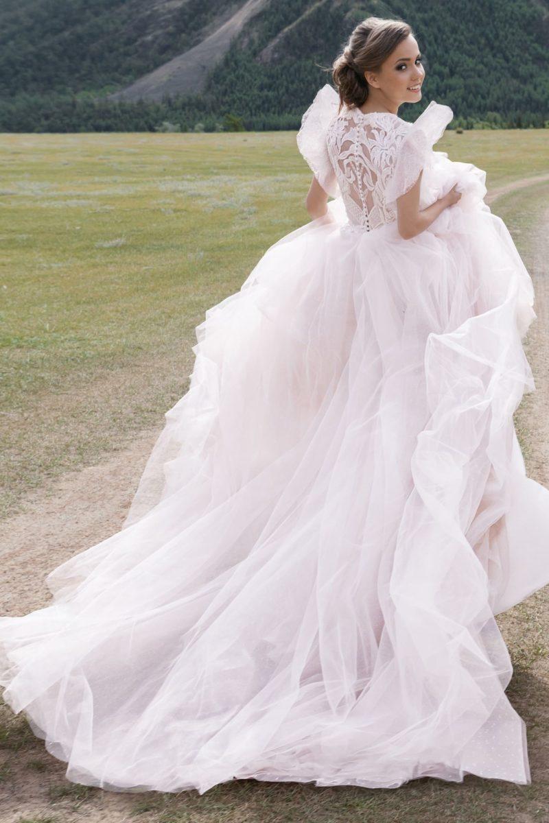 романтичное платье в оттенке розовой пудры
