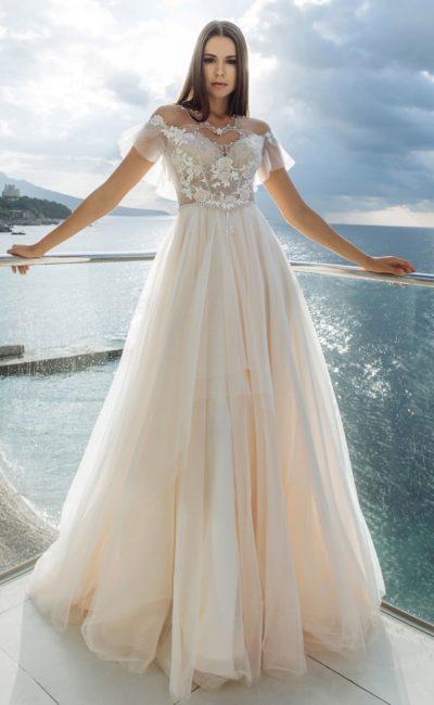 платье оттенка айвори