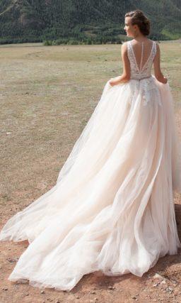 Платье с воздушной юбкой