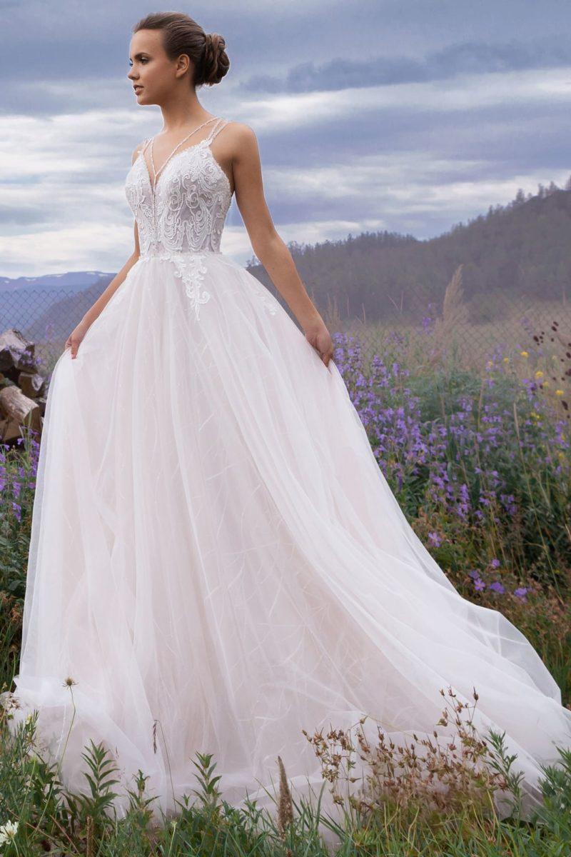 платье А-силуэта в нежном оттенке розовой пудры