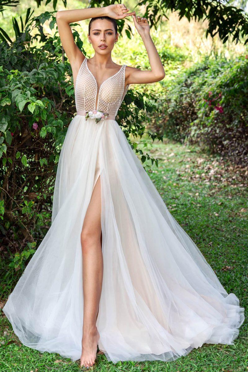 соблазнительное платье с прямой юбкой