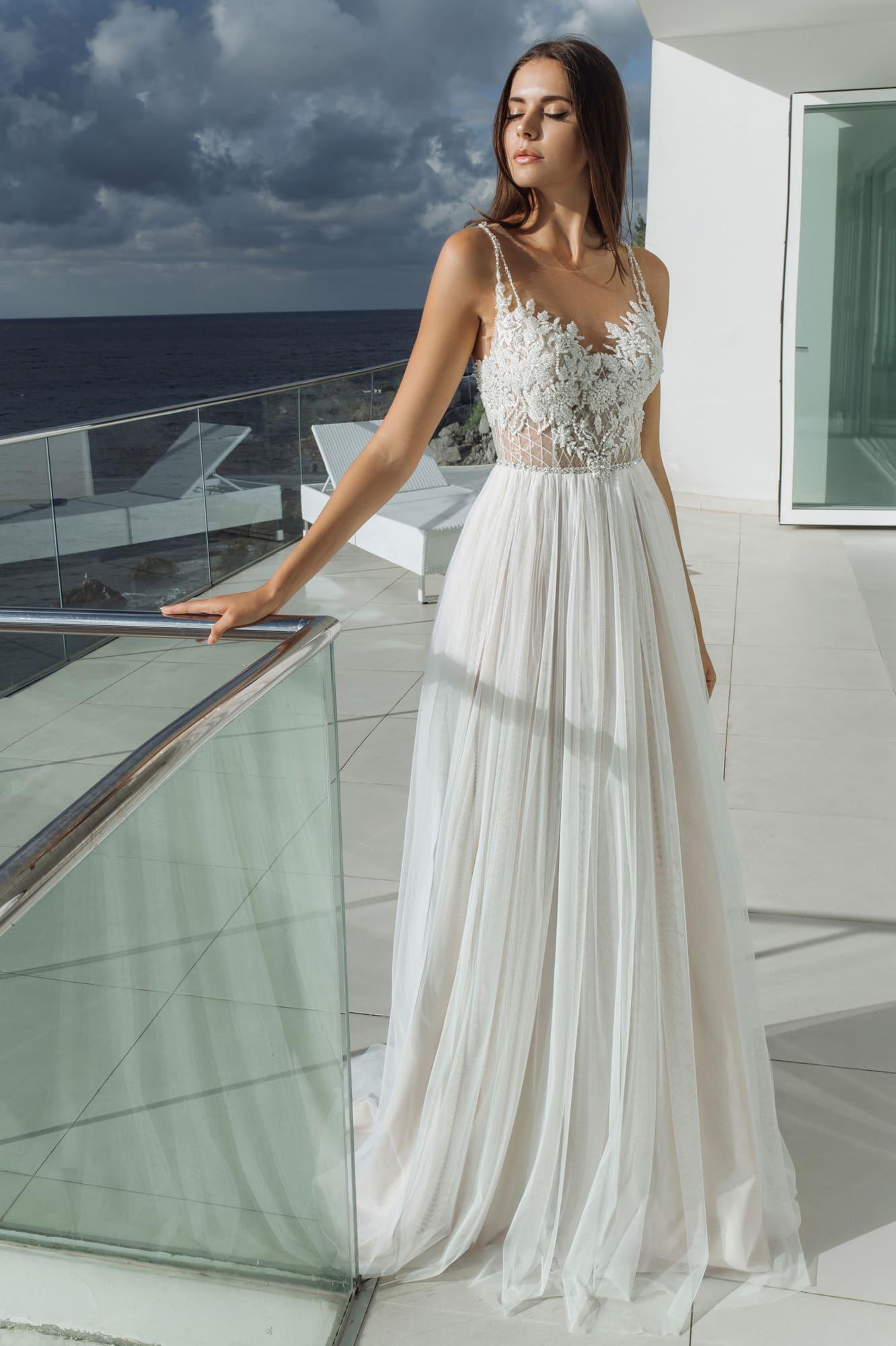 c02bad40e3a Летнее прямое свадебное платье Strekkoza Tera. Купить свадебное ...